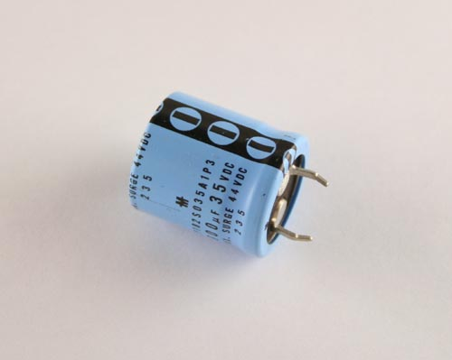 Picture of LP182S035A1P3 MALLORY capacitor 1,800uF 35V Aluminum Electrolytic Snap In