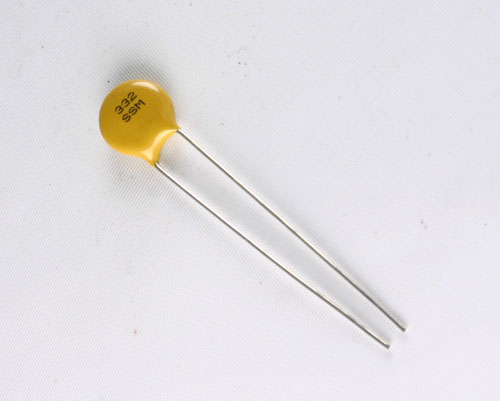 Picture of 5SS332MAGEA AVX capacitor 0.0033uF 2000V Ceramic Disc