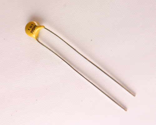 Picture of 5NS101MAACA AVX capacitor 100pF 2000V Ceramic Disc