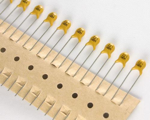 Picture of 5NR221MAACA AVX capacitor 220pF 100V Ceramic Disc