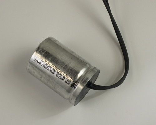 Picture of M72A2810M23 AEROVOX capacitor 10uF 280V Film Metallized Polypropylene Radial