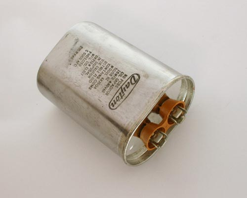Picture of 4X750A DAYTON capacitor 10uF 440V Application Motor Run