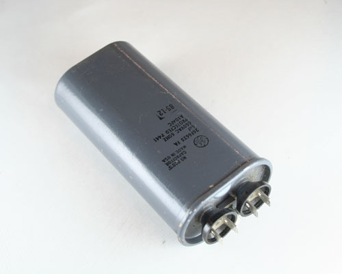Picture of 26F6623FA GE capacitor 6uF 660V Application Motor Run