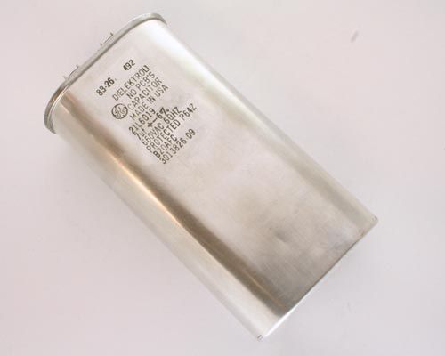 Picture of 21L6019 GENERAL ELECTRIC capacitor 7uF 660V Application Motor Run