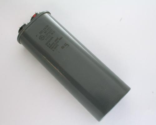 Picture of 26F6625FA GE capacitor 8uF 660V Application Motor Run