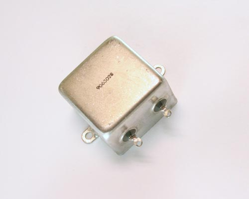 Picture of LA1-106E PLASTIC CAPACITORS capacitor 10uF 100V Oil HERMETICALLY SEALED Radial