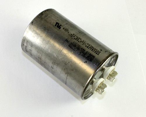 Picture of Z26P3770M AEROVOX capacitor 70uF 370V Application Motor Run