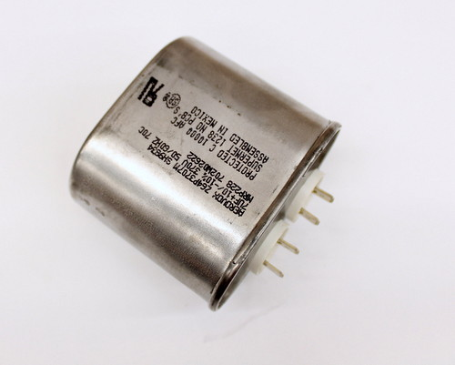 Picture of Z64P3707M21 AEROVOX capacitor 7uF 370V Application Motor Run
