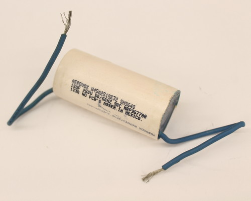 Picture of W45A2515E32 AEROVOX capacitor 15uF 250V Application Motor Run