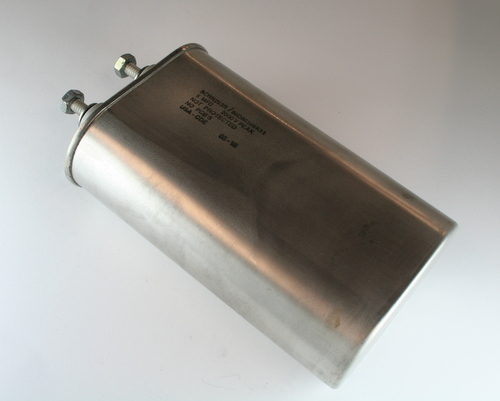 Picture of SCRN253R Cornell Dubilier (CDE) capacitor 5uF 2000V OIL HERMETICALLY SEALED Radial