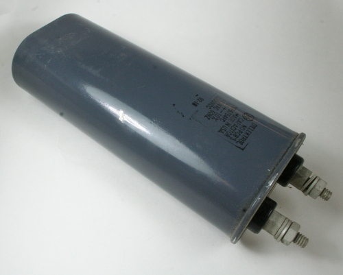 Picture of 26F6754FC GE capacitor 8uF 440V Application Motor Run