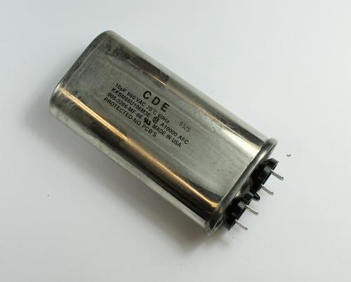 Picture of KKSM66U106M3E CDE capacitor 10uF 660V Application Motor Run