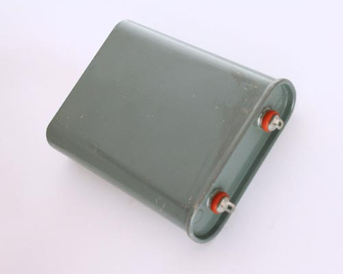 Picture of CQ72B1EF106K3 CHICAGO capacitor 10uF 600V OIL Hermetically Sealed Radial