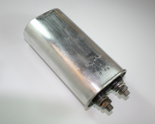 Picture of 97F8617 GENERAL ELECTRIC capacitor 5uF 1000V Oil Hermetically Sealed Radial