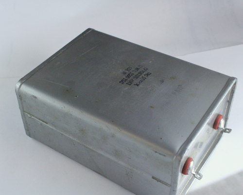Picture of CP70B1EG126K1 CDE capacitor 12uF 1000V OIL Hermetically Sealed Radial