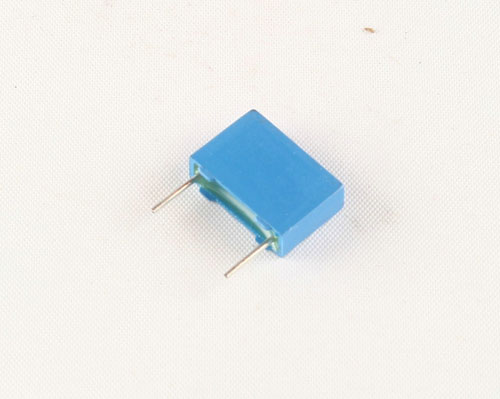 Picture of B32521N8682J EPCOS capacitor 0.0068uF 630V film metallized polyester radial