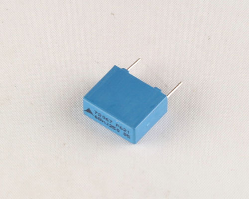 Picture of B32621A3683J EPCOS capacitor 0.068uF 250V Film Metallized Polypropylene Radial