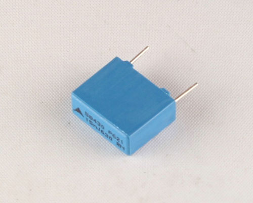 Picture of B32621A6153J EPCOS capacitor 0.015uF 630V Film Radial
