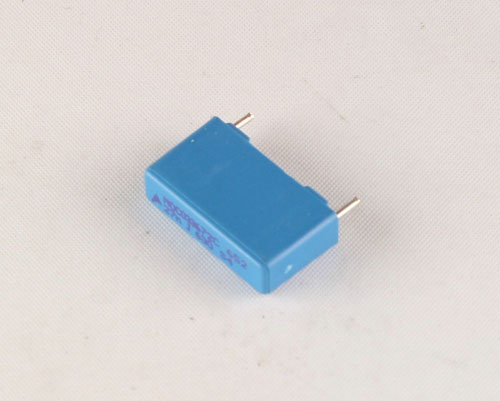 Picture of B32652A6273J3 EPCOS capacitor 0.027uF 630V Film Radial