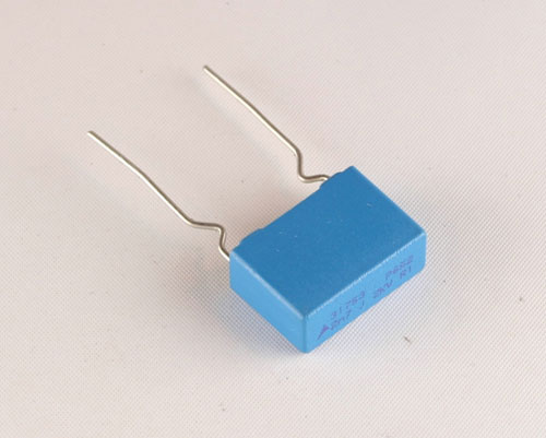 Picture of B32652A2272J178 EPCOS capacitor 0.0027uF 2000V Film Metallized Polypropylene Radial