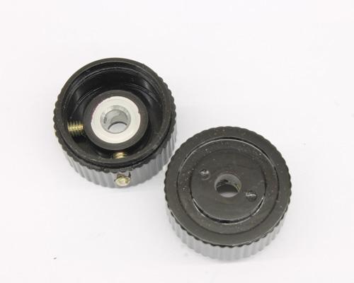 Picture of 125-3CB-2G RAYTHEON knob plastic Skirted