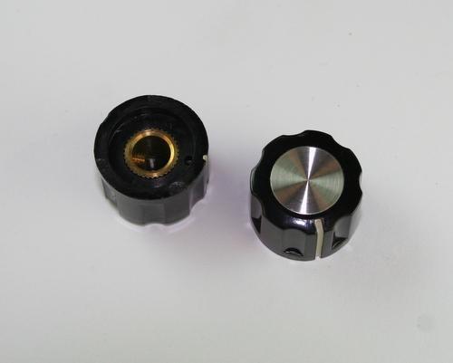 Picture of TSA70-2WL-2 RAYTHEON knob plastic Ribbed
