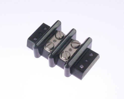 Picture of terminal blocks cinch barrier blocks 152 series connectors.