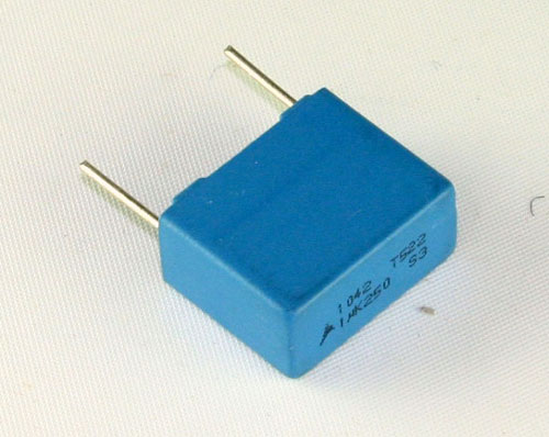 Picture of 1042T522 EPCOS capacitor 1uF 250V Film Metallized Polyester Radial