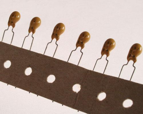 Picture of DT106K16V-.2LS BYAB capacitor 10uF 16V Tantalum Dipped