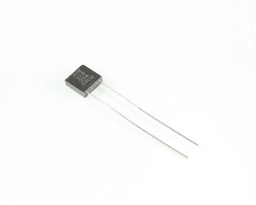Picture of MR05SA332GAA AVX capacitor 0.0033uF 50V Ceramic MONOLITHIC Radial