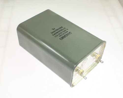 Picture of CP72B1EH805K1 SANGAMO capacitor 8uF 1500V OIL Hermetically Sealed Radial
