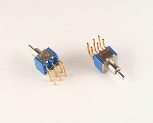 Picture of 573-2319-0301-100 DIALIGHT switch Toggle  Miniature
