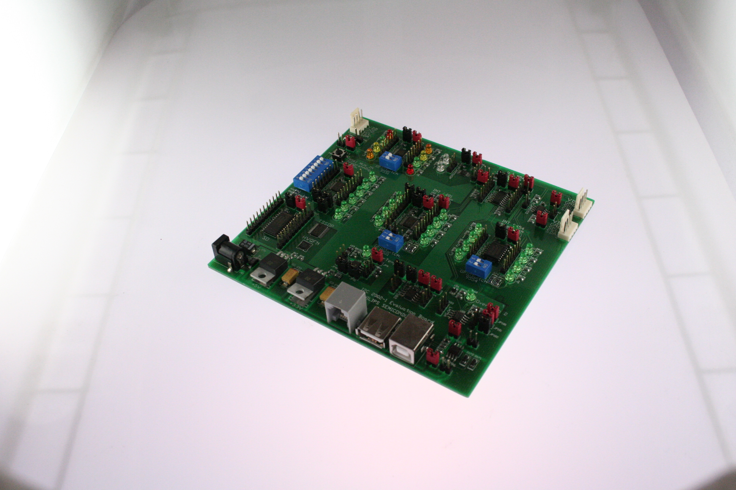 Picture of I2C-2002-1 PHILIPS Development kit