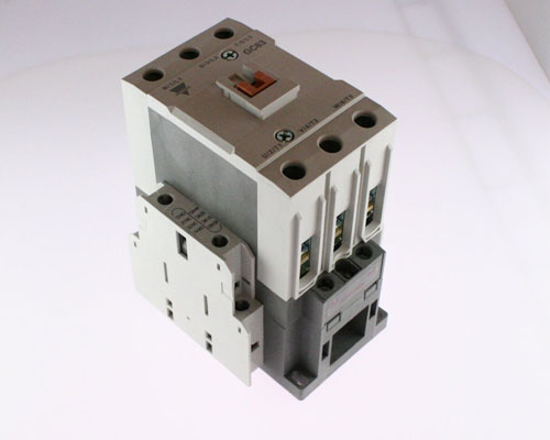 Picture of contactor.