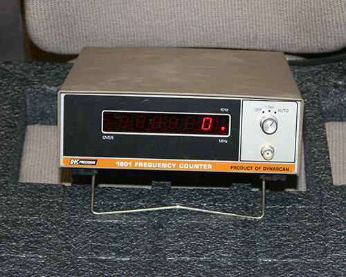 Picture of test equipment > frequency counter kit.